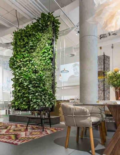 Starkes Design einer grünen Wand